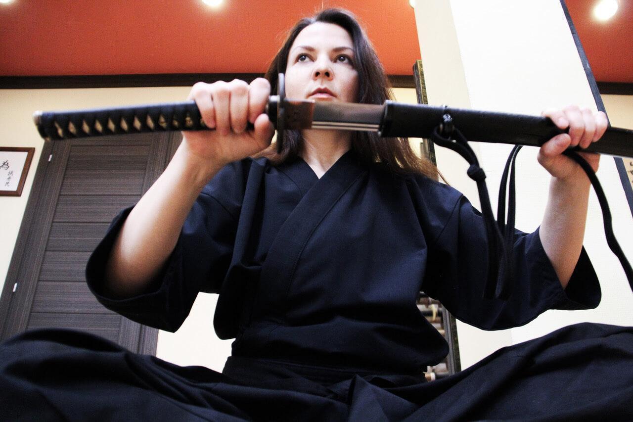 С мечом